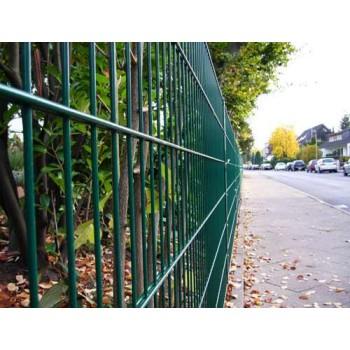 15 Meter Zaun komplett (grün) - mit Pfosten Typ A