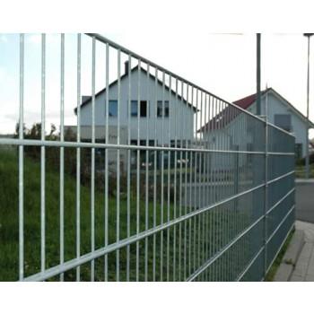 100 Meter Zaun komplett verzinkt (silberfarben) - mit Pfosten Typ PM