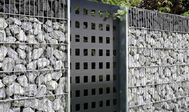 blog gabionen steinmauer der besonderen art. Black Bedroom Furniture Sets. Home Design Ideas
